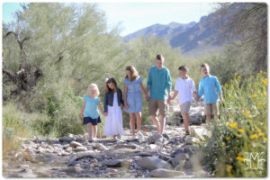 family portraits in AZ desert spring pictures by marriottphoto.com
